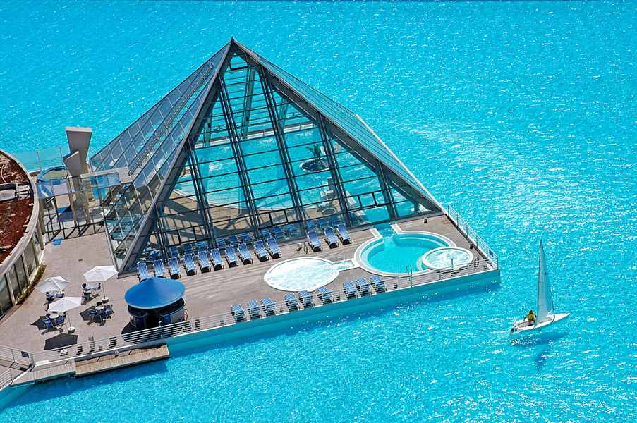 10 Most Incredible Pools In The World